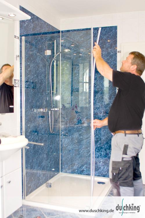 Fugenlose Dusche Material : Schritt: Nun werden die neuen Armaturen und die Duschabtrennung